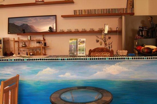 Errantry Lodge & Studio: bar
