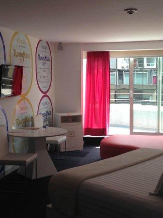 Room Mate Valentina: Room 1201