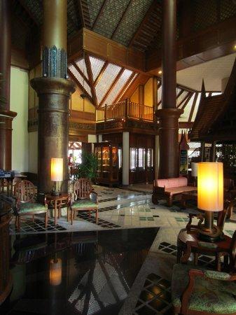 Krabi Thai Village Resort: reception area with free wifi
