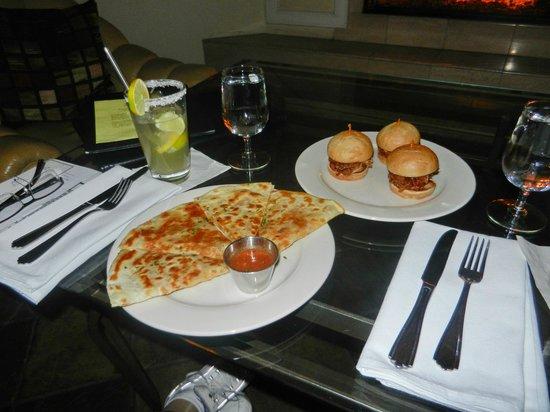 Inn at Morro Bay : Bar Food
