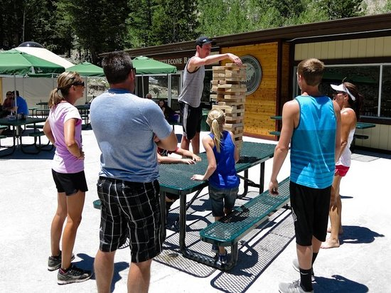 Lee Canyon Resort: Lawn Games