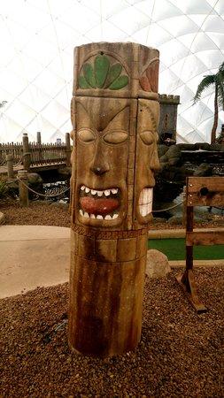 Adventure Golf Island: Our Spitting Tikis