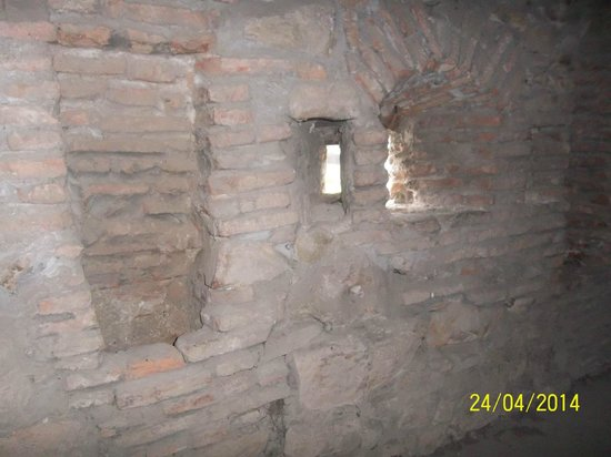 Peasant Fortified Church at Prejmer: Muralla exterior de Vigilantes