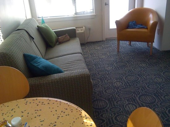 The StarLux Hotel & Suites: sitting room