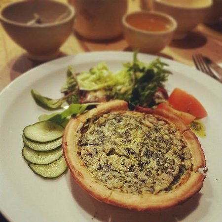 Le Pain Quotidien: Spinach & three cheeses tart