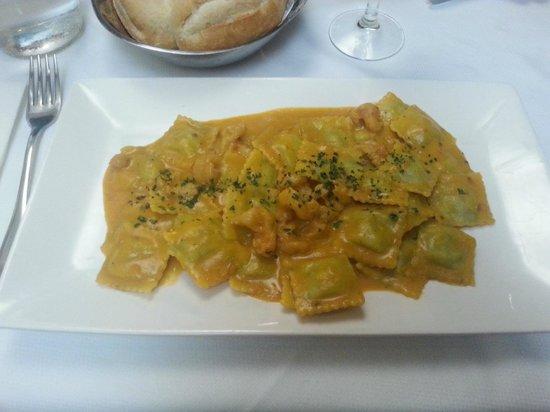Ristorante Lido: Ravioli con crema di zucca e gamberi