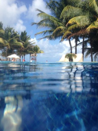 Royal Hideaway Playacar: View from infinity pool