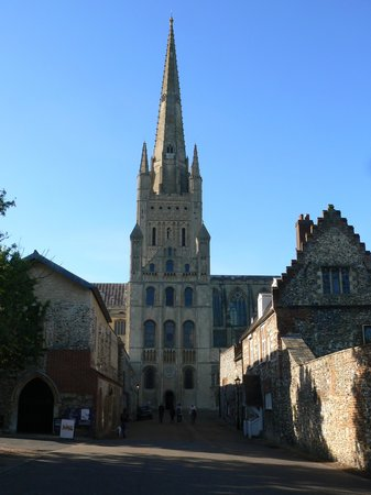 Norwich Cathedral: Another Entrance