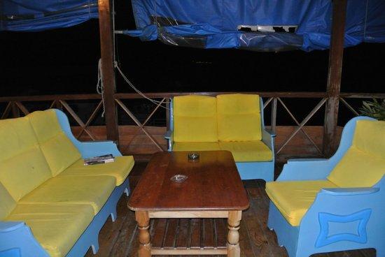 Hotel Olas: petit salon en terrasse