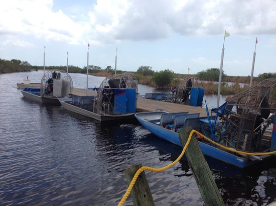 Capt Mitch's - Everglades Private Airboat Tours : boats