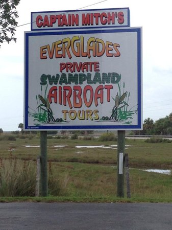 Capt Mitch's - Everglades Private Airboat Tours : entrance