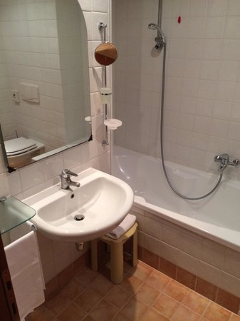 Sangallo Park Hotel: Bagno con vasca