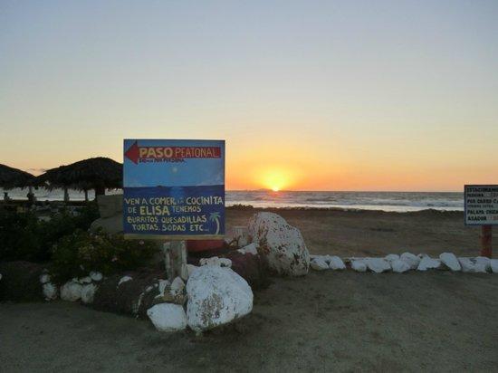 Monalisa Beach Resort: Beach
