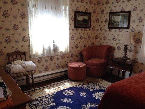 The Mason Cottage Bed & Breakfast Inn: Decatur suite