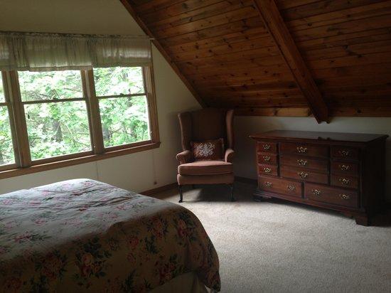Dillard House : Loft bedroom
