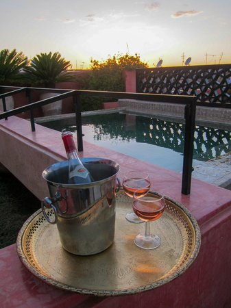 P'tit Habibi: Pool with Rosé