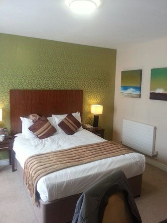 The George Limerick: The double room
