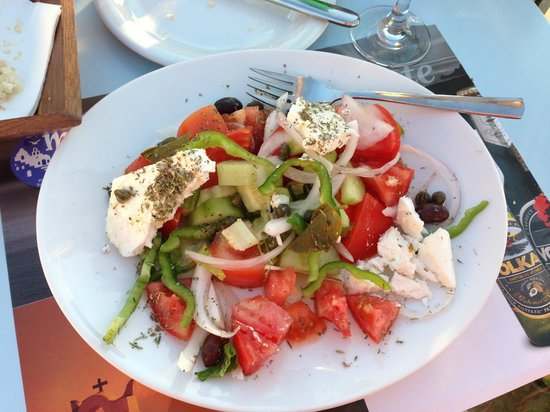 Mama Thira Tavern: Greek Salad