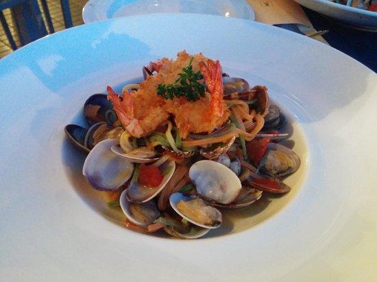 Ristorante Du Lac: tagliolini tricolore vongole bottarga gamberetti fritti
