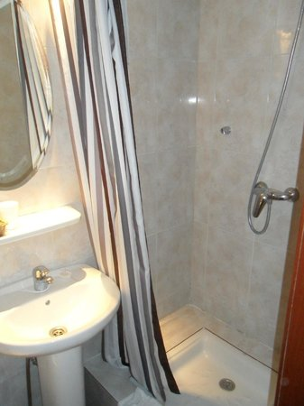Hotel Lloret Ramblas: shower
