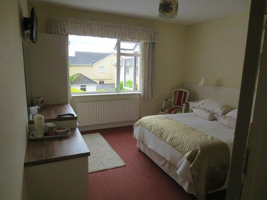 Glenomra House: Bedroom