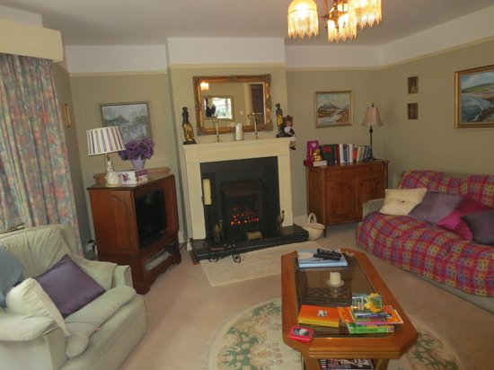Glenomra House: Sitting room