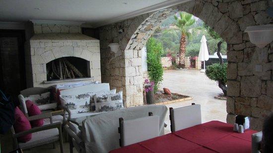 Amphora Hotel: salle à manger