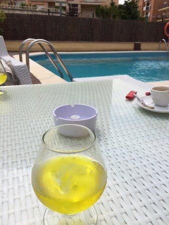 Adia Hotel Cunit Playa: Tarde en la piscina