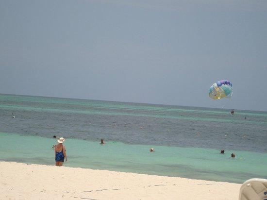 Meliá Caribe Tropical: PRAIA