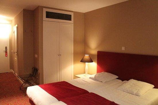 Hotel Acacia : Clean, spacious room
