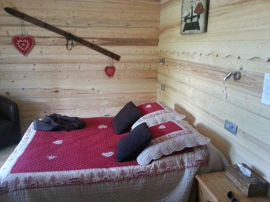 Le Cro-Bidou Hotel: La chambre