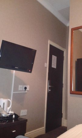 Newham Hotel: TV pulled out as far as it would go