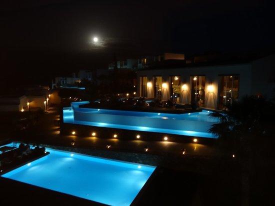Tui Sensimar Elounda Village Resort & Spa by Aquila : The lobby bar and pool terraces