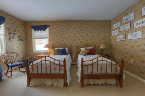 Yagna Inn: Twin Bed Room