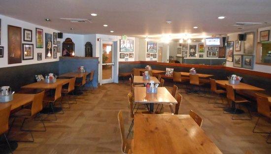 Oak: Dining area