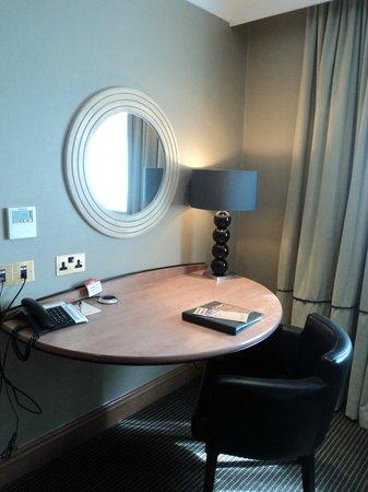 Crowne Plaza Felbridge Hotel : Study area