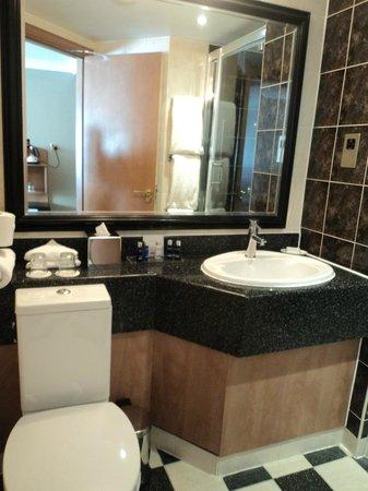 Crowne Plaza Felbridge Hotel : Clean bathrooms