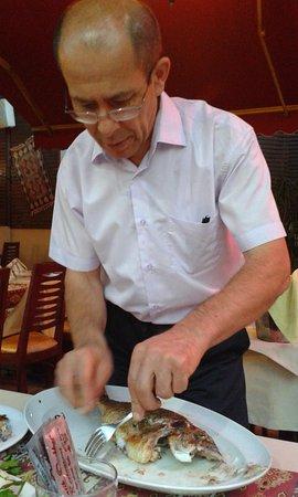 Otantik Ocakbasi: Mr Necdet fillets our sea bream