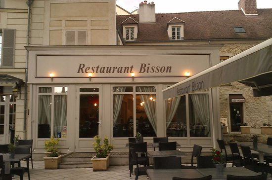 Bisson Andre : devant du restaurant