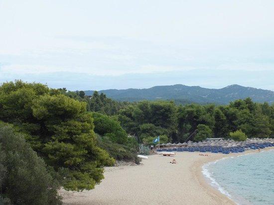 Lagomandra Hotel & Spa: Вид на пляж