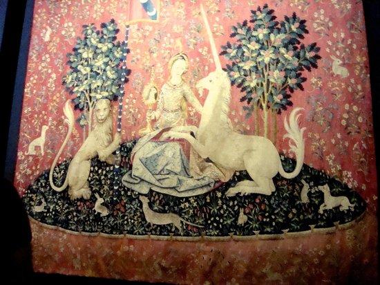 Musée de Cluny - Musée National du Moyen Âge : Одна из картин Шесть Чувств