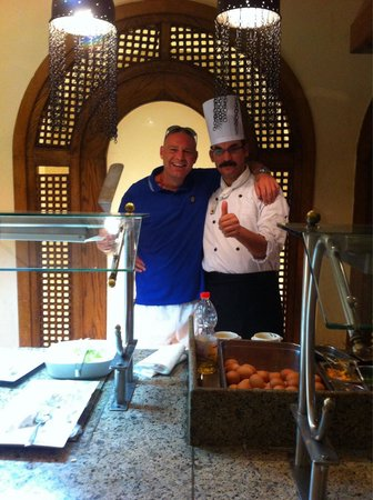 Ghazala Gardens Hotel: This man does the best omelettes ... Top bloke !!