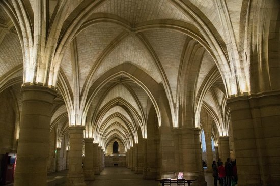 Conciergerie : Medieaval vaulted ceiling