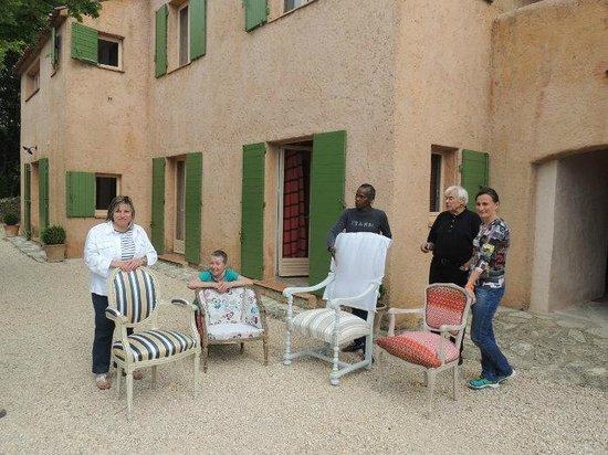 Les Chênes Verts : fin stage de refection de fauteuil