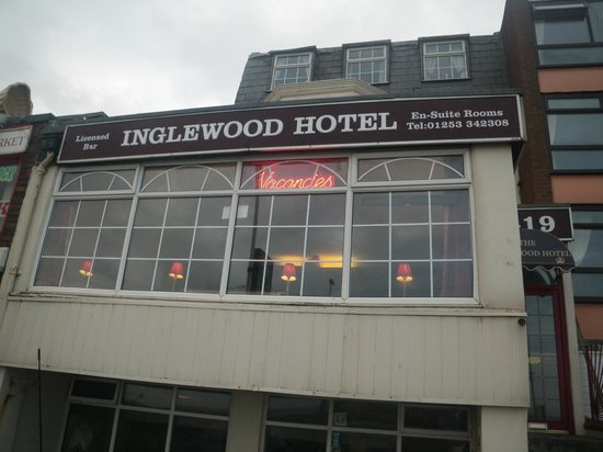 Inglewood Seafront Hotel: The outside.