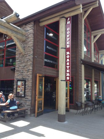 Jackson Hole Roasters - Restaurant & Coffeehouse: Outside view with tables