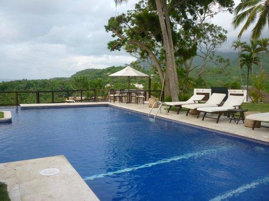 Casa Bonita Tropical Lodge: Part of the pool area