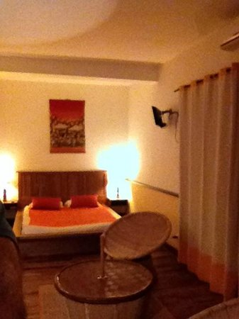 Le Combava: Ground floor room