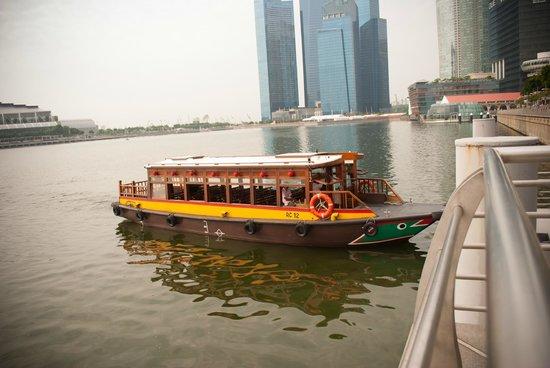 Marina Bay Boat for River Cruise