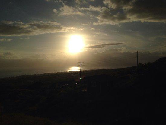 Lahaina Stables: Sunset picture from horseback riding